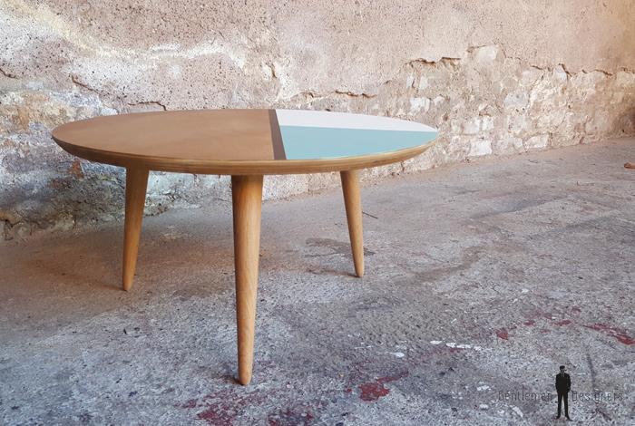 Table basse ronde graphique bleu blanc bois pieds compas - Table basse pieds compas ...