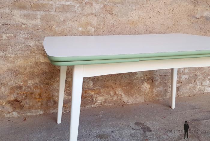 table vintage rallonge blanche et verte pieds compas. Black Bedroom Furniture Sets. Home Design Ideas