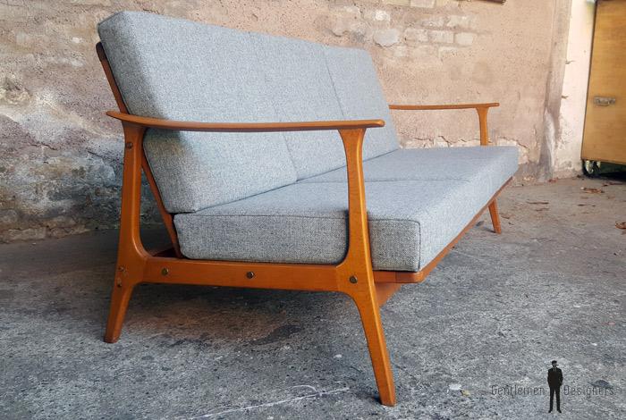 canap scandinave vintage tissu kvadrat r nov. Black Bedroom Furniture Sets. Home Design Ideas