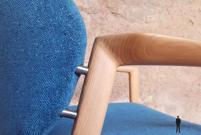 Fauteuil vintage scandinave tissu gris, bois clair