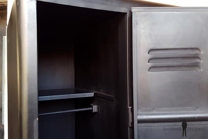 armoire trois portes vestiaire rangement en m tal style indus. Black Bedroom Furniture Sets. Home Design Ideas