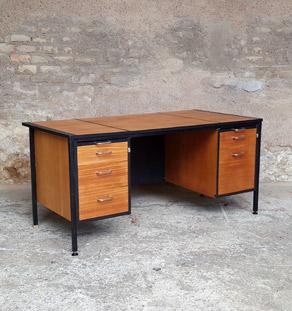 Grand bureau vintage avec tiroirs en bois, teck