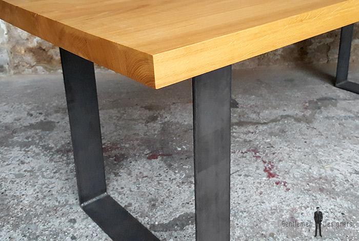 table manger plateau ch ne massif pieds acier brut. Black Bedroom Furniture Sets. Home Design Ideas