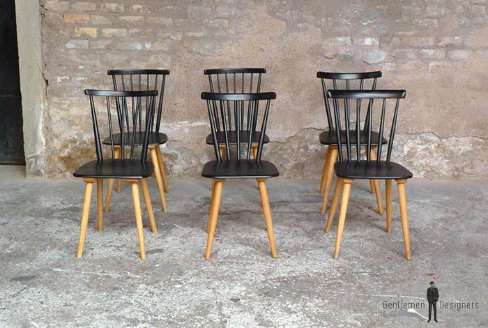 lot 6 chaises vintages noir barreaux pieds bois naturel. Black Bedroom Furniture Sets. Home Design Ideas