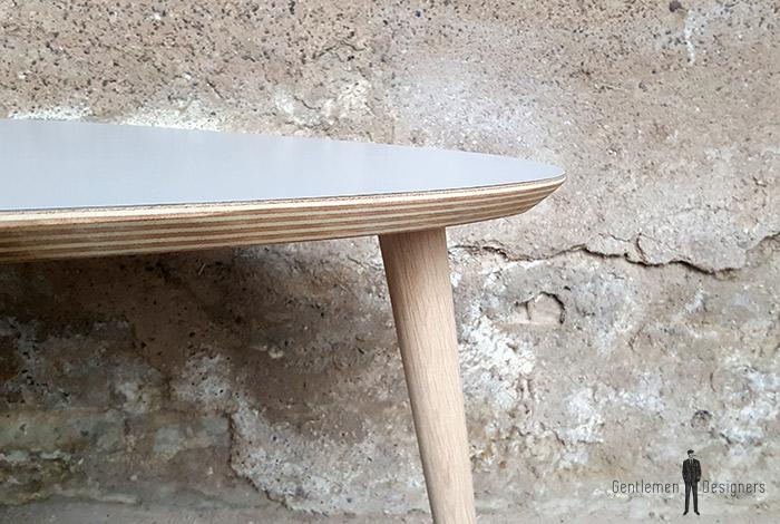 table tripode gris clair teck produit d exposition destockage. Black Bedroom Furniture Sets. Home Design Ideas