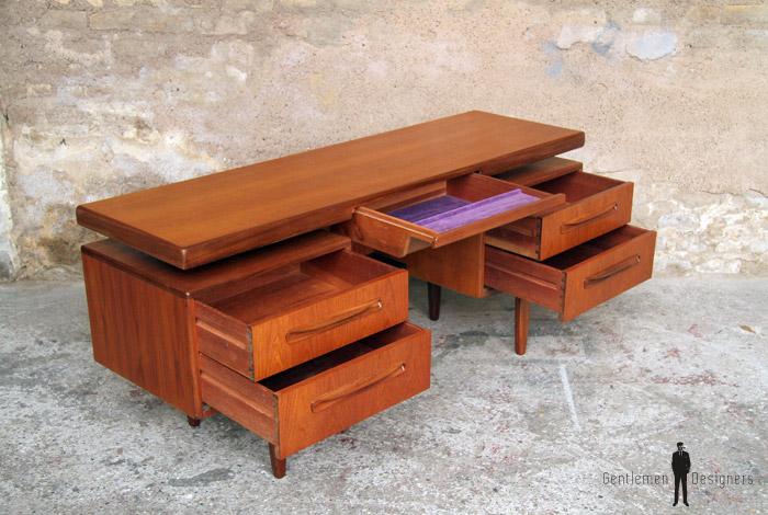 bureau vintage scandinave en teck gplan. Black Bedroom Furniture Sets. Home Design Ideas
