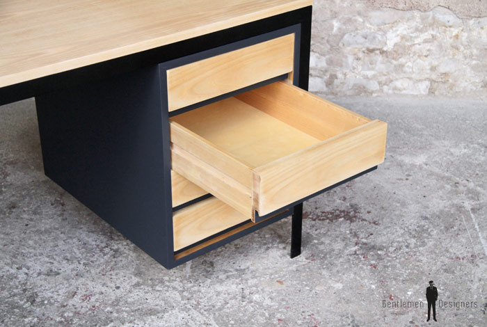 Bureau tiroirs métal et bois gentlemen designers