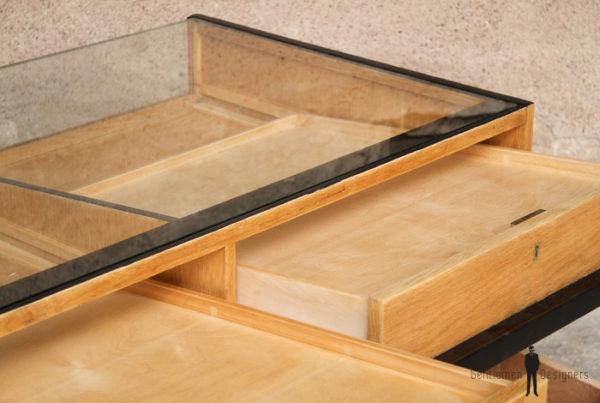 Comptoir ancien bois magasin boutique optique caisse clair tiroir