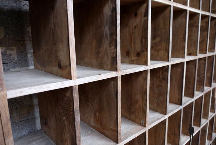 rangement casier ancien en bois meuble de tri. Black Bedroom Furniture Sets. Home Design Ideas