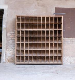 Rangement casier ancien en bois meuble de tri gentlemen designers - Meuble a casier ...