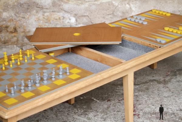 Table basse vintage détournée, jeux, échec et backgammon