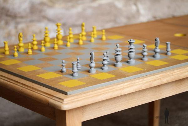 Table basse vintage détournée, jeux, échec et backgammon, échiquier politique sarkozy