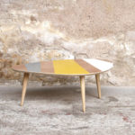 Table basse graphique tripode vintage jaune/gris/blanc