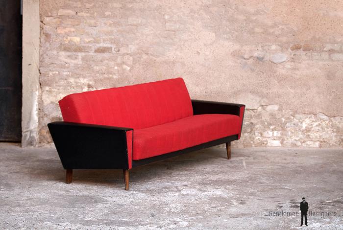 canap vintage 3 places convertible tissu rouge et skai noir. Black Bedroom Furniture Sets. Home Design Ideas