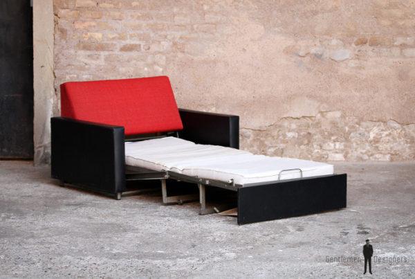 Canape convertible, lit vintage tissu rouge et skai noir, fauteuil daybed