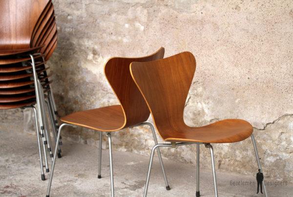 10 chaises vintage scandinave teck, Fritz Hansen, Jacobsen, n°7
