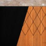 Meuble vintage en teck, style scandinave, motifs graphique noir