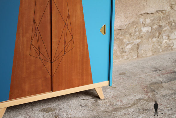 Petit meuble d'appoint vintage en bois, teck, motifs bleu