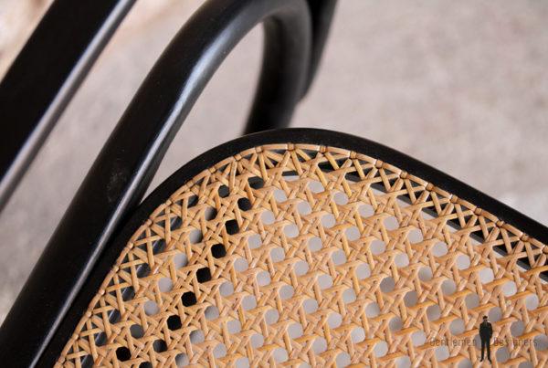 Rocking chair Thonet noir vintage, bois et cannage