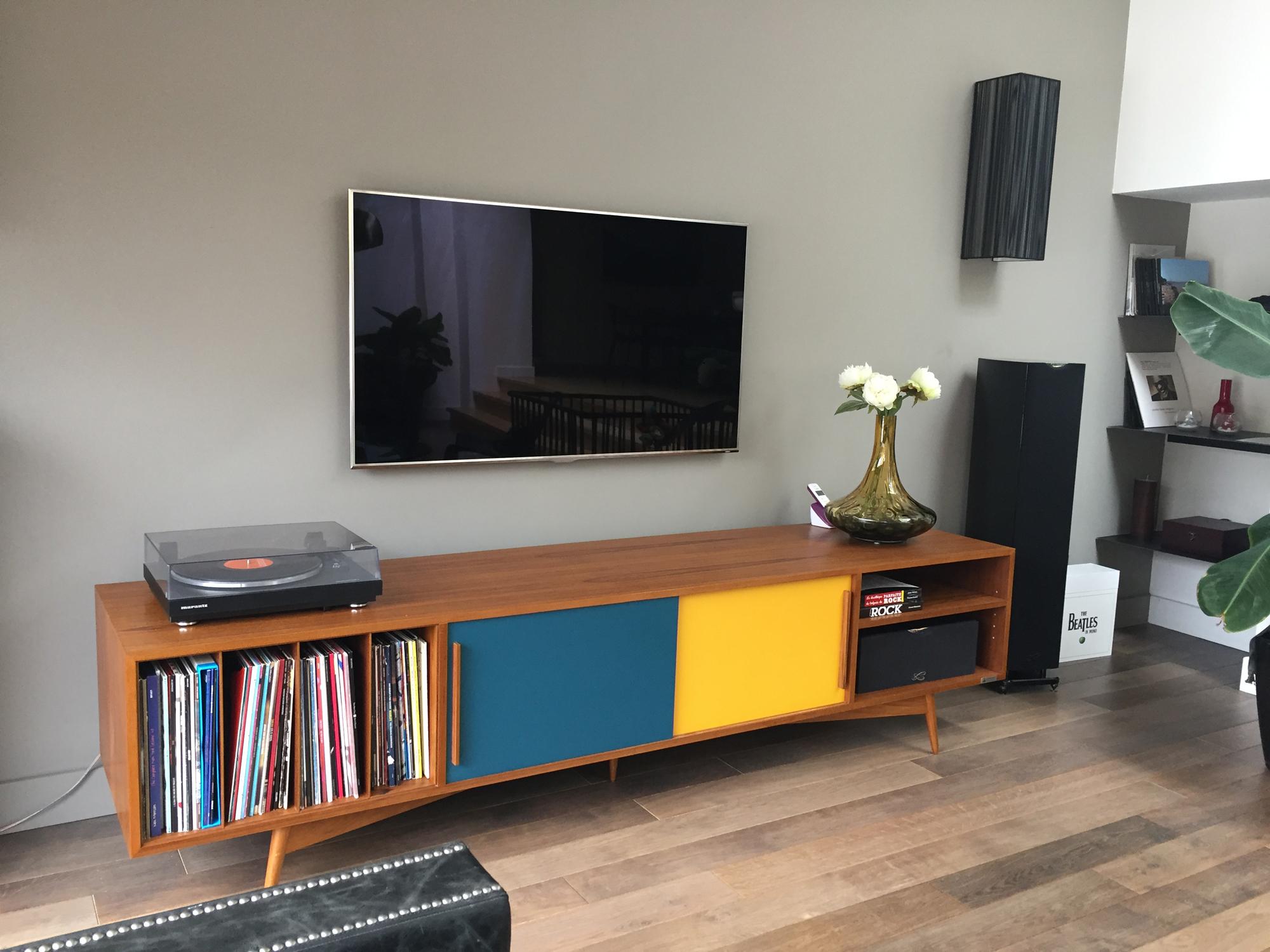meuble tv et vinyle sur mesure en teck