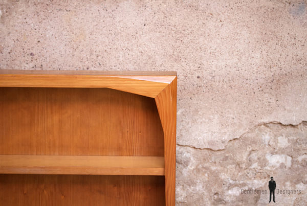 Etagere suspendue en bois Goetheanum, Rudolf Steiner