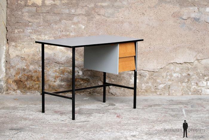 Bureau vintage rénové gris bois et métal épuré