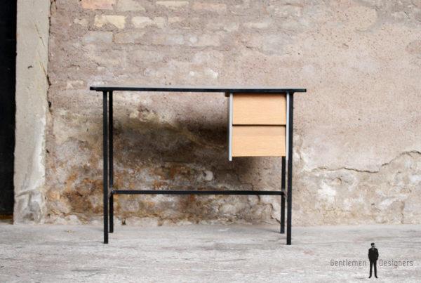 Bureau vintage rénové gris, bois et métal, épuré gentlemen designers