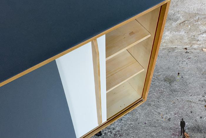 Meuble vintage bois portes coulissantes grises et blanche