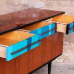 Enfilade vinatage en teck, motifs graphiques bleu buffet