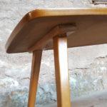 Table basse vintage mosaïque et bois, pieds compas