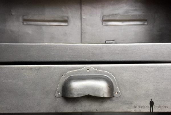 Armoire style indus, meuble métal, année 50, 2 portes