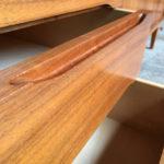 Enfilade buffet scandinave vintage en teck signé, Woodtly poignee