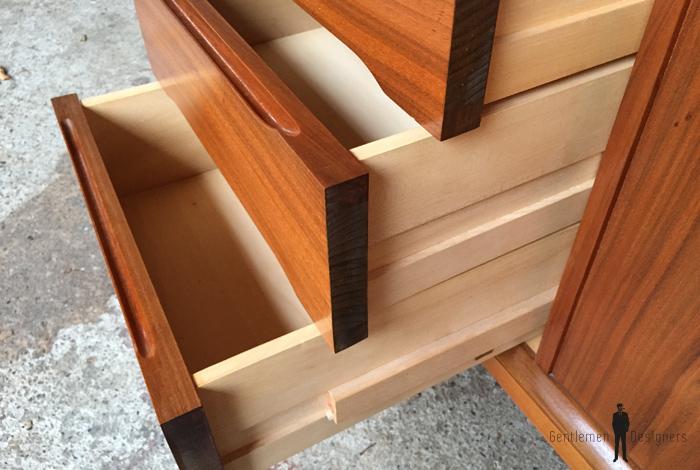 Enfilade buffet scandinave vintage en teck signé, Woodtly tiroirs