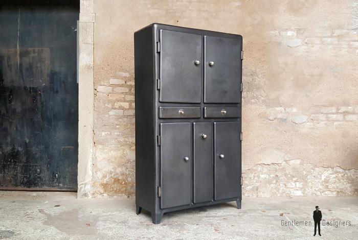 Armoire vintage métal style indus, angles arrondis, portes, tiroirs