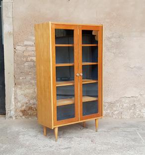 Armoire vitrine vintage en chêne, étagères