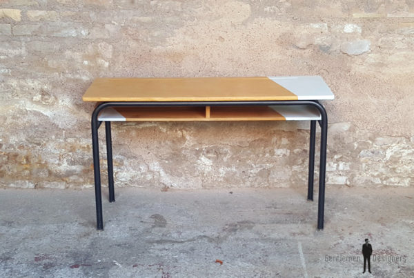 Bureau d'école ancien, bois et métal, gris clair Gentlemen Designers