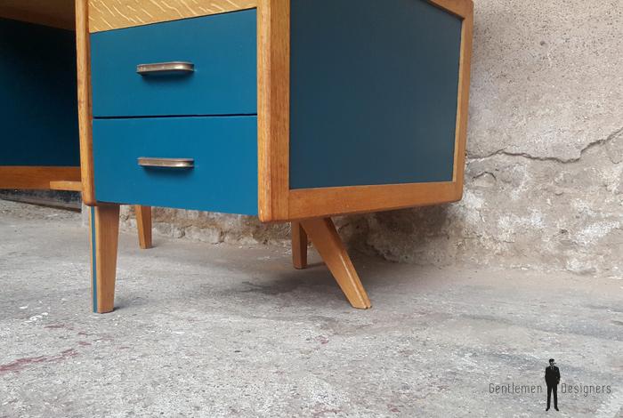Bureau vintage en bois pieds compas avec tiroirs bleu
