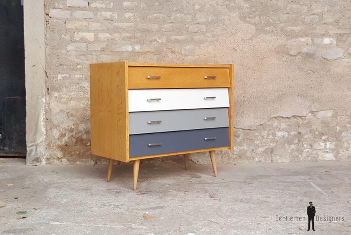 5bfaa8c37b8c2d Commode vintage en bois gentlemen designers blanc gris chene scandinave