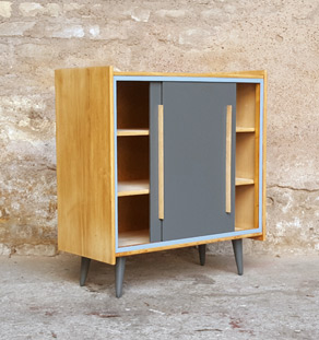 Meuble d'appoint vintage en bois, 2 portes grises
