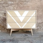 commode_3_tiroirs_motif_graphique_blanc_triangle_chene_push_sur_mesure_vintage_unique_original_gentlemen_designers_strasbourg_paris_alsace_handschuheim_bas-rhin_france-(1)