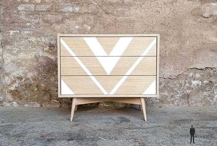 commode_3_tiroirs_motif_graphique_blanc_triangle_chene_push_sur_mesure_vintage_unique_original_gentlemen_designers_strasbourg_paris_alsace_handschuheim_bas-rhin_france-(1)