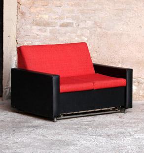Canapé convertible lit vintage tissu rouge et skai noir