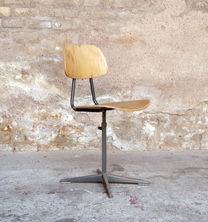 Chaise vintage atelier style indus, métal et bois clair gentlemen designers