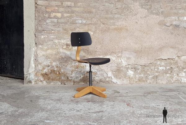 Chaise métal bois noir vintage atelier, pivotante, pied en croix
