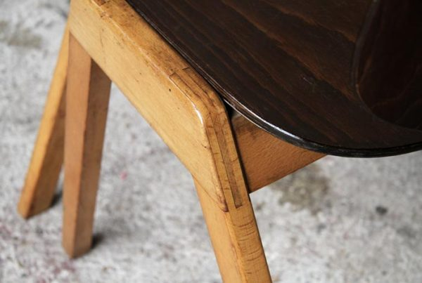 Rare lot de chaises vintage en bois signées Thonet gentlemen designers