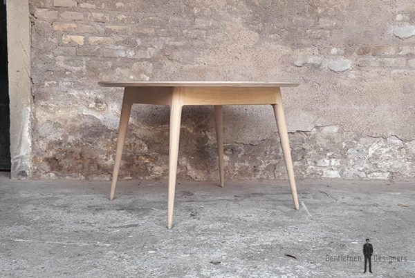 Table_manger_ronde_stratifié_gris_fenix_mobilier_vintage_sur_mesure_creation_design_annee_50_60_fabriquer_france_made_in_gentlemen_designers_strasbourg_alsace_francais_01-(1)