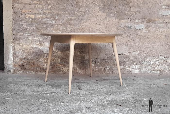 Table_manger_ronde_stratifié_gris_fenix_mobilier_vintage_sur_mesure_creation_design_annee_50_60_fabriquer_france_made_in_gentlemen_designers_strasbourg_alsace_francais_01-(1)