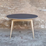 Table_manger_ronde_stratifié_gris_fenix_mobilier_vintage_sur_mesure_creation_design_annee_50_60_fabriquer_france_made_in_gentlemen_designers_strasbourg_alsace_francais_01-(3)