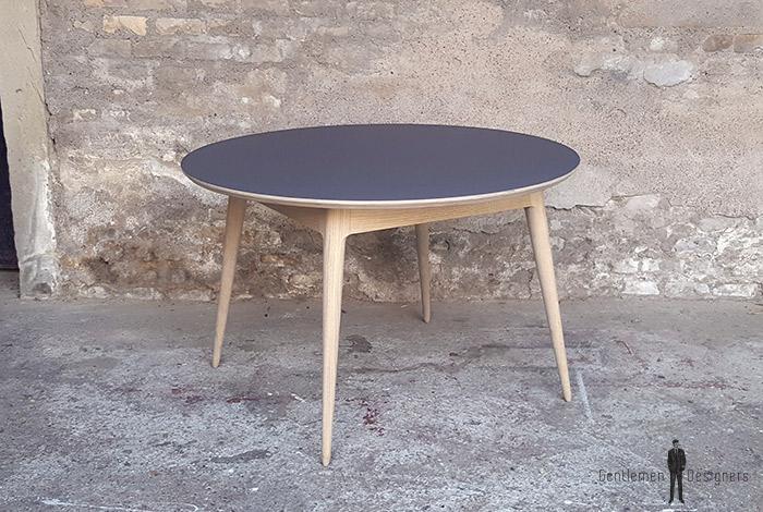 Table_manger_ronde_stratifié_gris_fenix_mobilier_vintage_sur_mesure_creation_design_annee_50_60_fabriquer_france_made_in_gentlemen_designers_strasbourg_alsace_francais_01-(7)