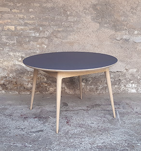 Table_manger_ronde_stratifié_gris_fenix_mobilier_vintage_sur_mesure_creation_design_annee_50_60_fabriquer_france_made_in_gentlemen_designers_strasbourg_alsace_francais_Vignette